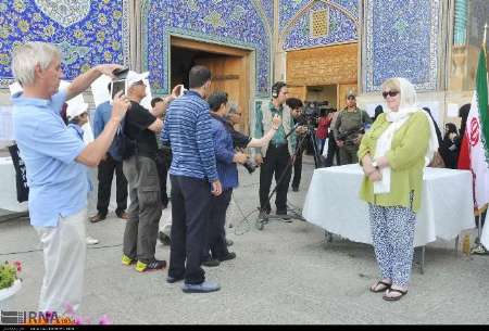 Over 200,000 foreign tourists visit Esfahan in 2 months: Official