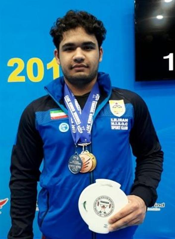 Iranian weightlifter bags gold in Asian Champs