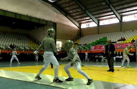 Iranian national fencing team ranks 1st in int'l tournament