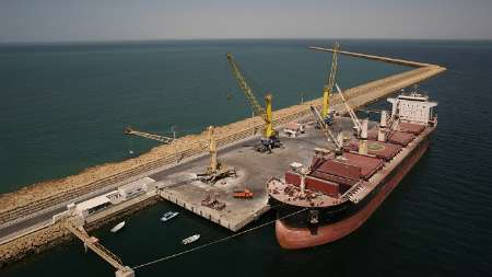 India's 1st container ship docks in Chabahar