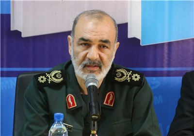 Iran Fully Prepared to Repel Any Threat in Persian Gulf: Commander
