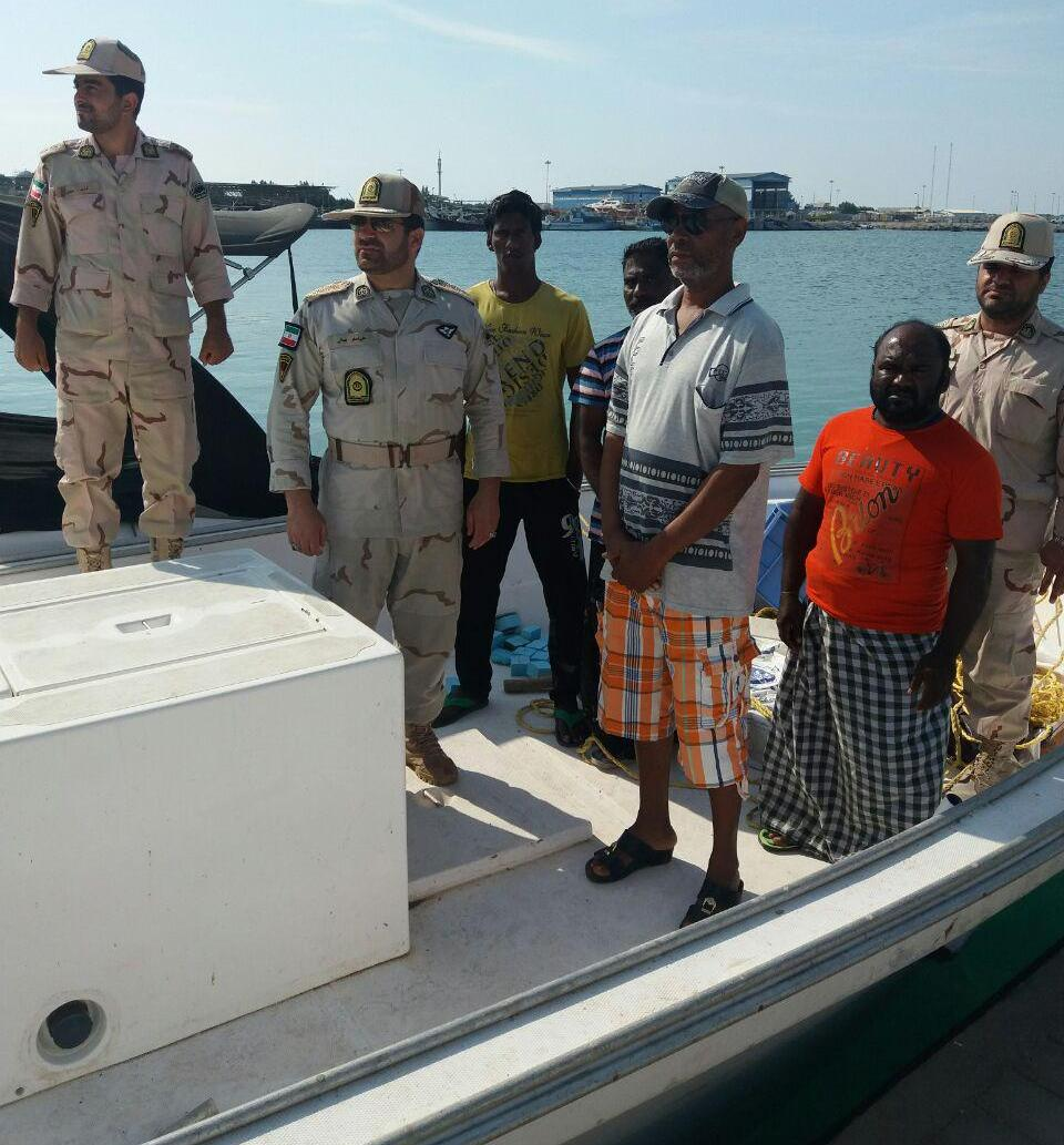 Iran seizes illegal fishing boat in Kish Island