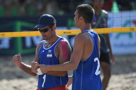 Iran beach volleyball squad praised for winnig Asia title